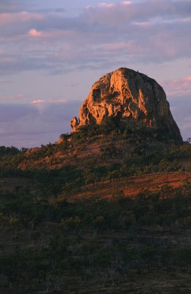 Dome of rhyolite and trachyte, volcanic in origin. Peak Range National Park, near Clermont, Queensland, Australia