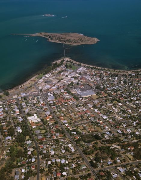 Victor Harbor and Granite Island connected to the city by a causeway. South Australia
