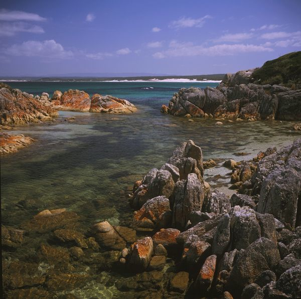 View south from Eddystone Point, across to the Bay of Fires. Bay of Fires walk, northeastern Tasmania, Australia