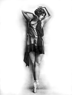 1927: dancer Agnes Boone