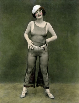 1940: photograph of pinup girl