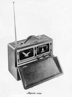 1947 Majestic 7P420 portable radio