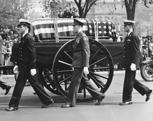 The caisson bearing the body of Franklin Delano Roosevelt, the 32nd president of the United States