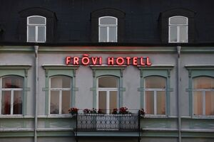 Façade of hotel in Frovi