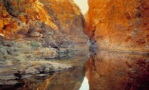 Redbank Gorge and waterhole
