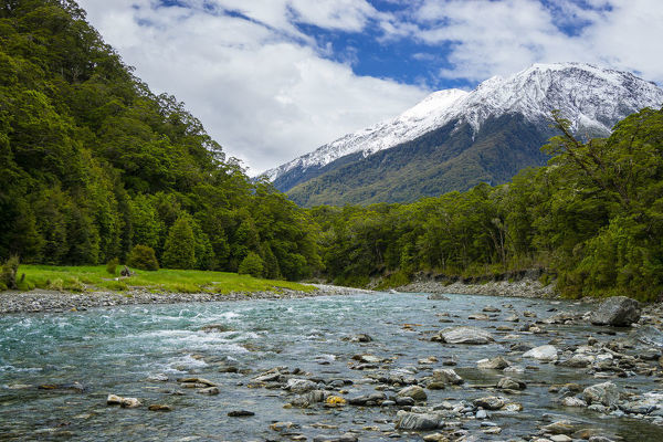 Makarora River that flows into Lake Wanaka. Mount Aspiring National Park, Otago, South Island, New Zealand