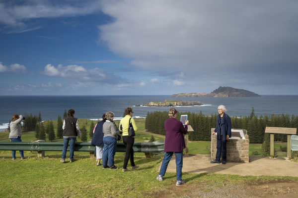 Visitors at Queen Elizabeth Lookout overlooking the Kingston and Arthur's Vale