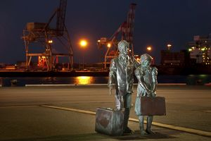 Statues representing migrants who arrived in Western Australia by sea.